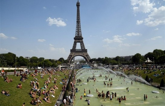 Parisi thyen rekord të nxehtësisë - temperatura deri në 40.6 °C, më e larta në historinë e matjeve