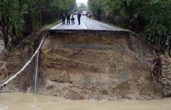Moti keq përmbyt Evropën Perëndimore