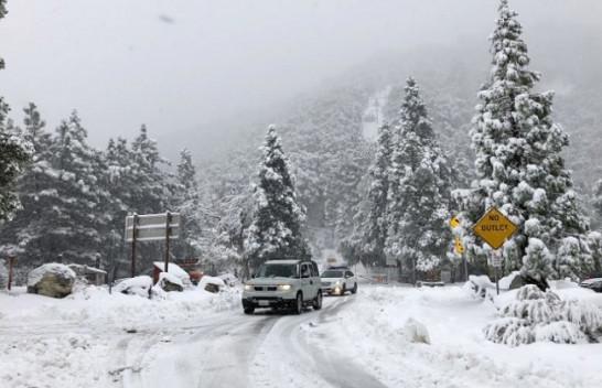 Stuhi me shi dhe reshje bore godet Kaliforninë Jugore