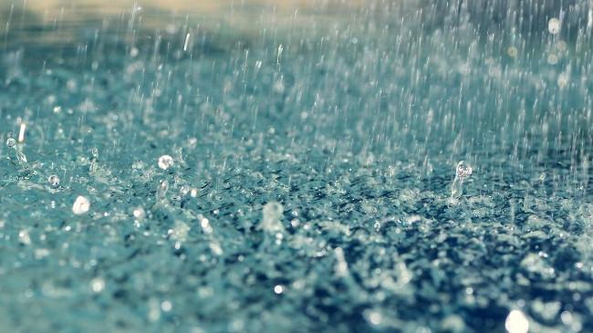 Mesatarja e reshjeve të shiut për muajin dhjetor në qytete europiane, Prishtina dhe Tirana në mesin e tyre