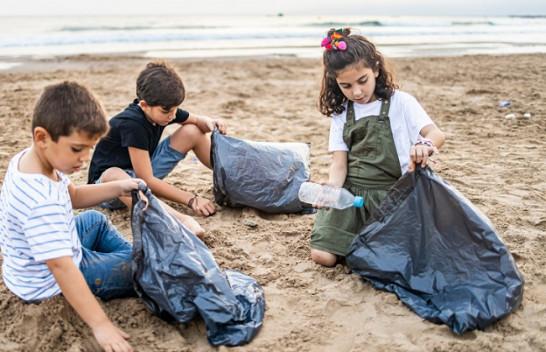Nëntë gjërat që duhet t'u mësojmë fëmijëve që të ndihmojnë planetin tonë të mbijetojë