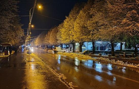 Bora zbukuron Kamenicën