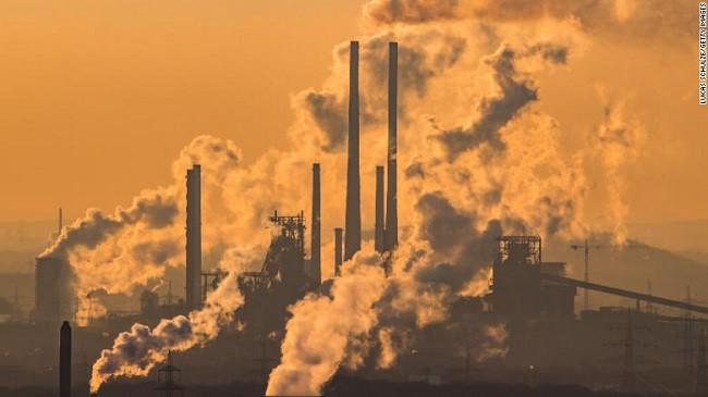 Emetimet globale do të arrijnë një tjetër rekord të lartë këtë vit përkundër rënies së përdorimit të qymyrit
