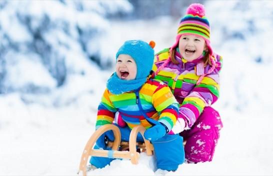 Kujdesi për foshnjat dhe fëmijët gjatë ditëve të ftohta të dimrit