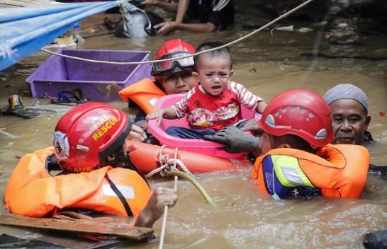 Nga përmbytjet në Xhakartë, humbin jetën 20 persona