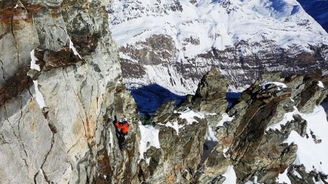 Ndryshimet klimatike po e bëjnë gjithnjë e më të rrezikshëm alpinizmin