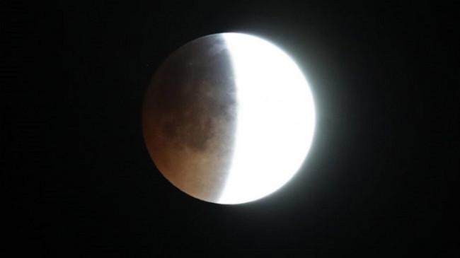 Përgatituni për 'Eklipsin Penumbral Hënor', mund ta shikoni edhe nga Kosova