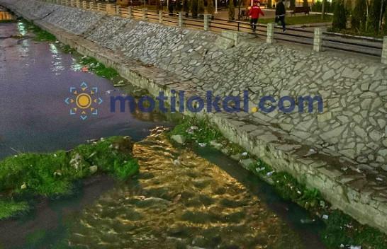 Lumi Llap i mbushur me mbeturina [Foto]