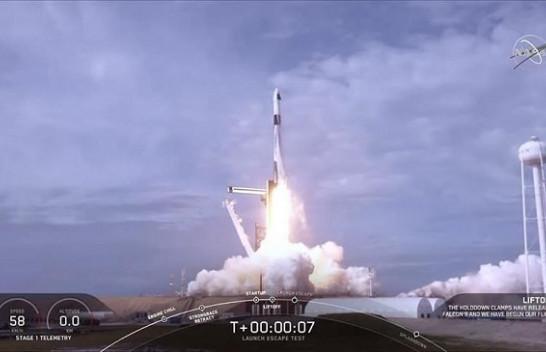 SpaceX teston me sukses sistemin e daljes emergjente nga anija kozmike