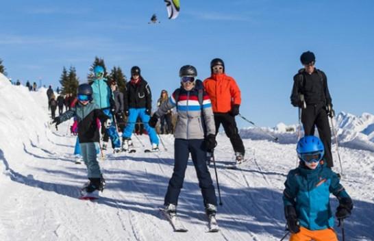 Zvicër: Kantoni Valais kërkon që skijimi të bëhet lëndë obligative për nxënësit