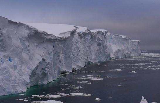 Thwaites, akullnaja që rrezikon botën ta fundosë