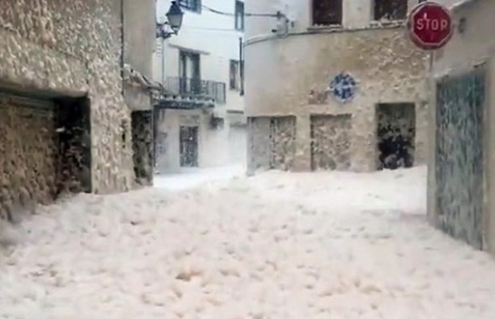 Shkuma e dallgëve të detit mbulon qytetin Spanjoll [Video]