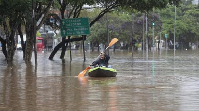 Sao Paulo goditet nga moti i ligë, përmbytje dhe rrëshqitje dheu