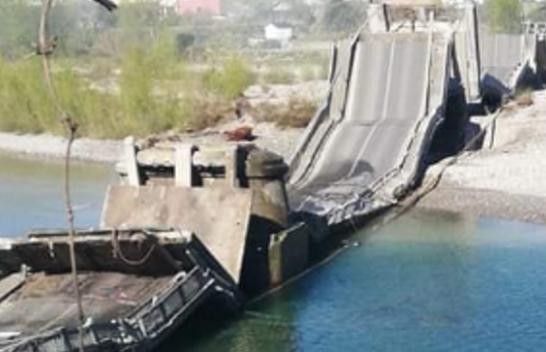 Koronavirusi bën mrekulli! Shembet ura gjigante në Itali, për fat të mirë pa viktima