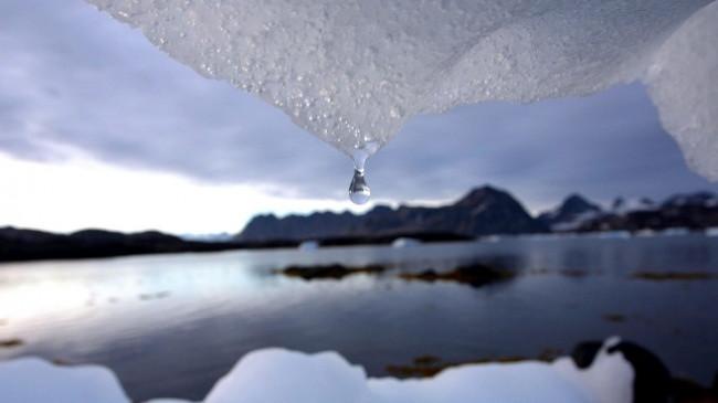 Studim: Shtresat e akullit në Grenlandë po shkrihen në rekord