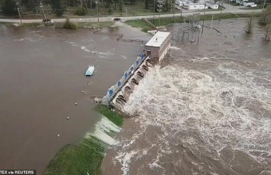 Michigan nën ujë pas shpërthimit të dy digave, mijëra të evakuuar