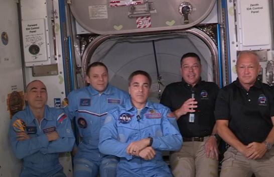 Astronautët e NASA-s dhe SpaceX mbërrin në Stacionin Hapësinor Ndërkombëtar
