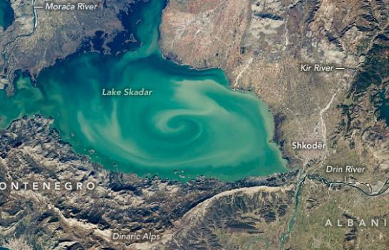 Astronauti i NASA-s kap një vorbull në mes të Liqenit të Shkodrës