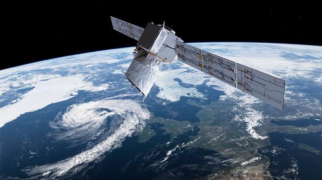 SpaceX dërgon në orbitë 60 satelitë të internetit