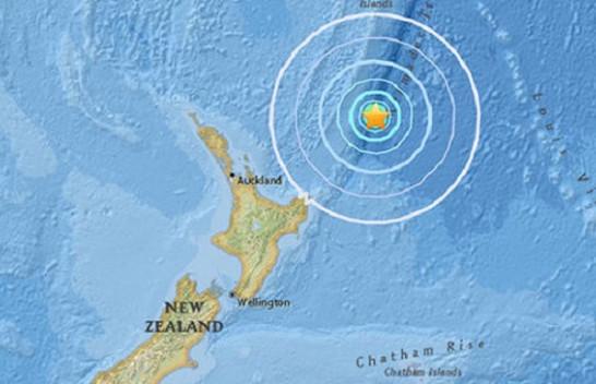 Një tërmet i fuqishëm  me magnitudë 7.3 ballë godet ishujt Kermadec në veri të Zelandës së Re