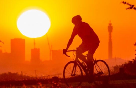 Qershori më i nxehti në 40 vitet e fundit në Britani