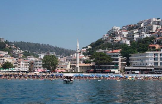 Keni bërë plane për plazh në fundjavë? Hidhini një sy motit në Mal të Zi