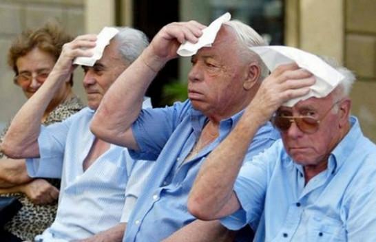 Të moshuarit dhe goditjet e të nxehtit – Këshilla për të shmangur ato