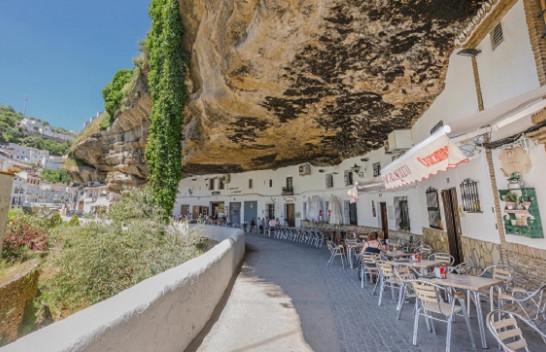 Setenil de las Bodegas - Qyteti spanjoll i cili jeton nën shkëmb