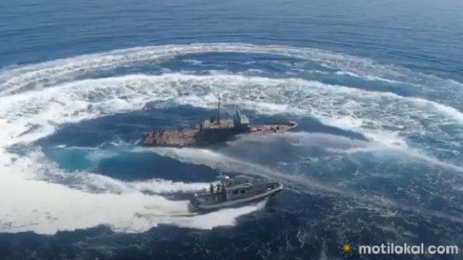 Fundoset anija ushtarake shqiptare në Dhërmi [Foto+Video]