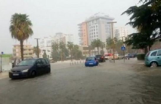 Shirat e parë të vjeshtës sjellin përmbytje në Shqipëri