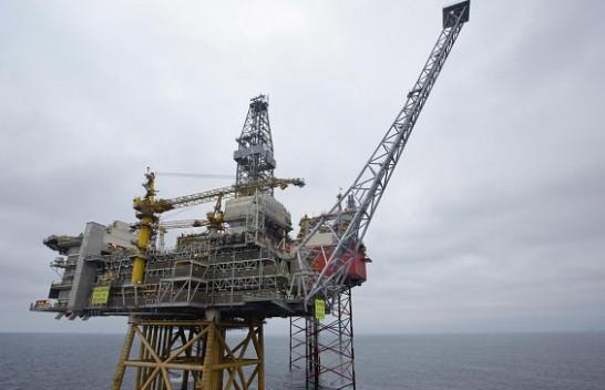 Shitja e naftës në Norvegji bie për 12 për qind