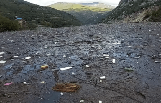 E tmerrshme, Liqeni i Komanit i pakalueshëm nga mbeturinat [Video]