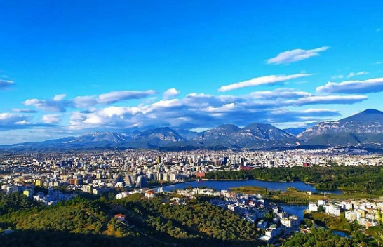 Mot i kthjellët dhe me diell, njihuni me parashikimin e meteorologëve për ketë javë në Shqipëri dhe Kosovë