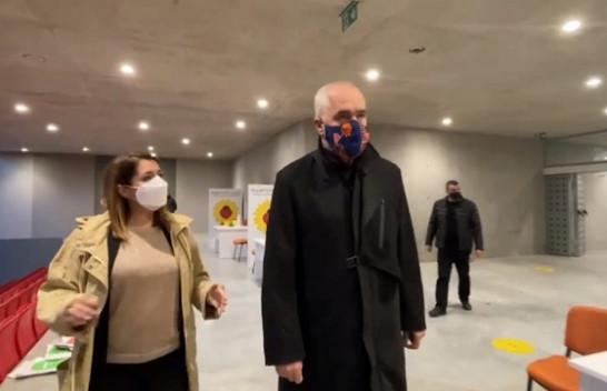 Gati qendra antiCOVID në Shqipëri, Manastirliu: Do vaksinohen 60 qytetarë në orë