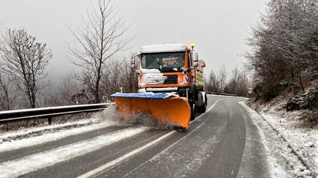 Kjo është gjendja e rrugëve në Kosovë pas reshjeve të borës