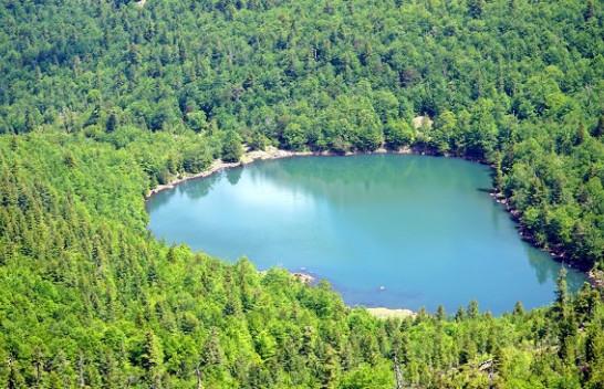 Liqenet e Dhoksit: Aty ku fjala 'e bukur' nuk mjafton