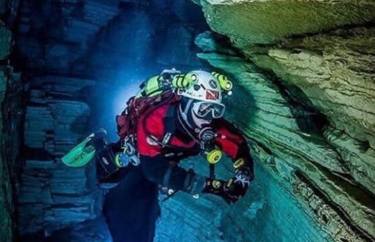 Panoramë mahnitëse në shpellat nënujore të Viroit