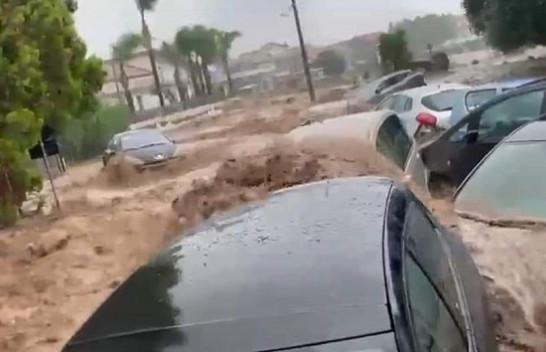Alarm i kuq për motin në Itali/ Stuhi dhe përmbytje, mbyllen shkollat në Jug të vendit